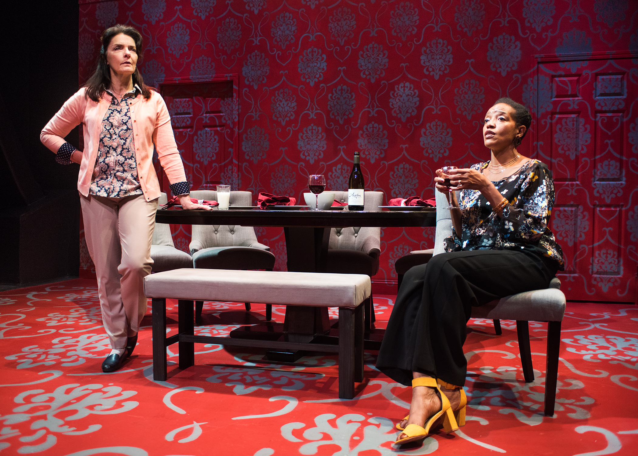 L to R: Tamara (Cheryl Smith) and Debora (Desiree) develop an unlikely bond.